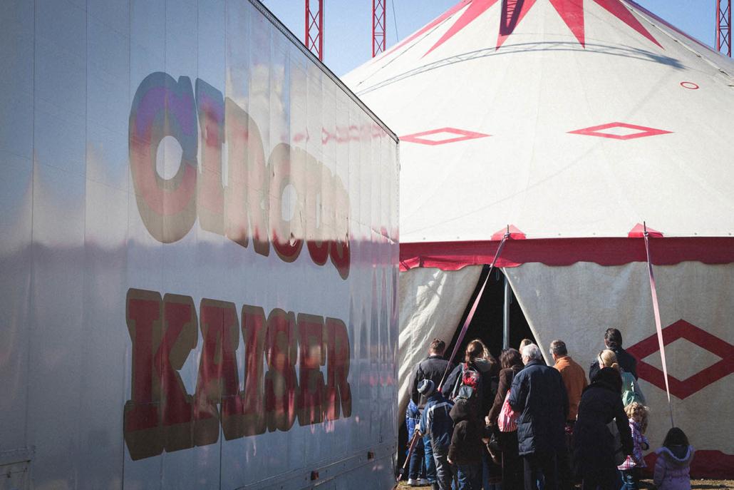 Zirkus Zelt Eingang