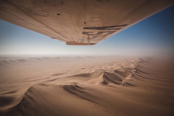 Reisefotografie Reisebericht Namibia Flugzeug