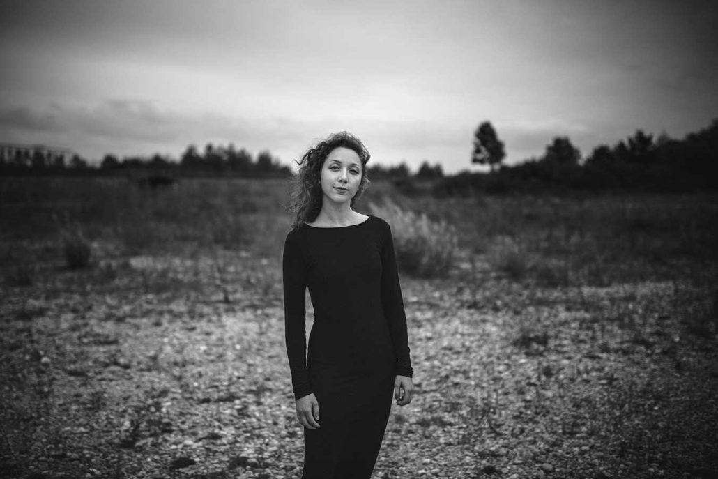 Schauspielerportraits outdoor Magdalena Holler