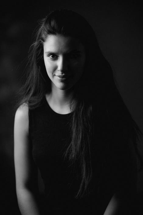 Jessica Puentes Schauspielerporträt im Studio
