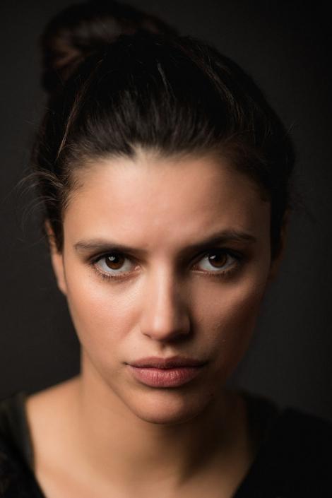 Jessica Puentes Schauspielerporträt im Studio Headshot