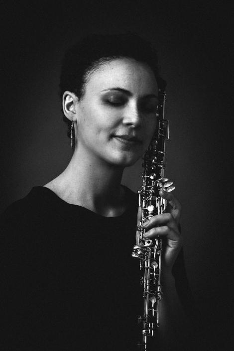 Frau mit Oboe