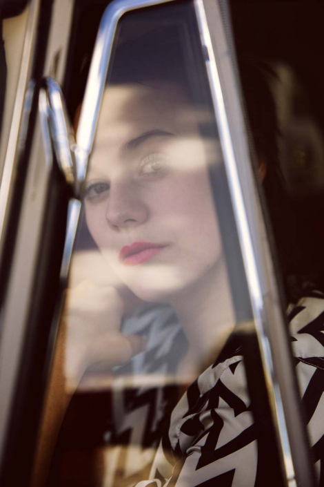 Frau im Auto