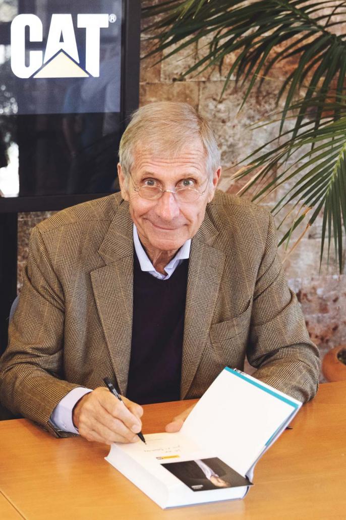 Ulrich Wickert signiert Buch